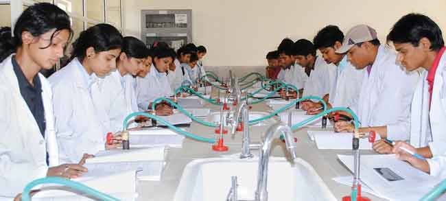 B Pharma college